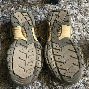 Keen Shoes - Keen waterproof sandals